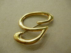 "Letter ""G"" gold brooch – 1970s"