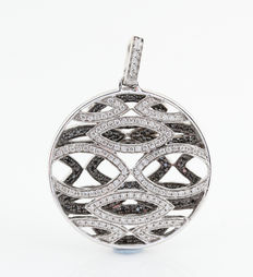 White gold pendant of 18 kt with diamonds, 0.97 ct G-H / VVS2-VS2 – 34 x 26 x 7 mm