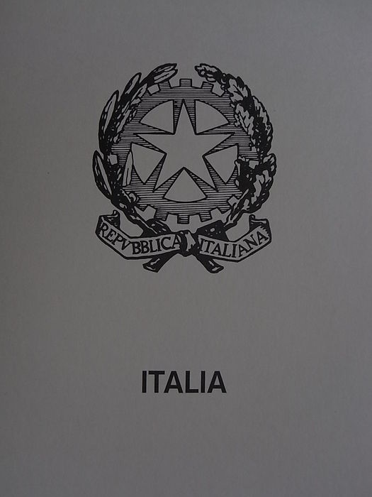 Italy 1960/1990 - Almost complete collection in two preprint Lindner-T- Hingeless albums.