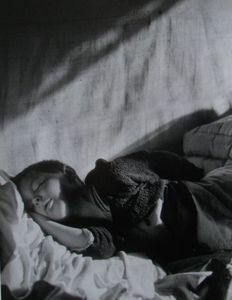 "Willy Ronis (1910-2009) - ""Vincent dormant'' 1946"