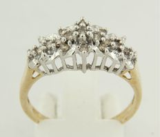 14 kt bi-colour gold ring with brilliant cut diamond, ring size 16.5 (52)