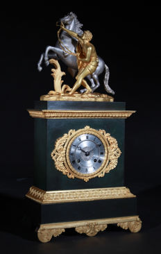An origianal antique French pendule clock - circa:1814-1830