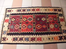 Old hand-knotted kilim, 161 x 103 cm