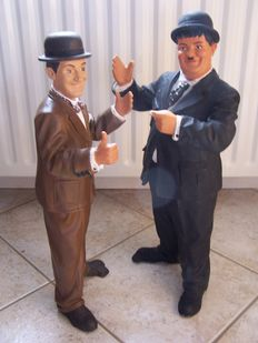 Stan Laurel & Oliver Hardy - sculptures – design of the world famous artist Jun Asilo 1997 - height 52 cm.