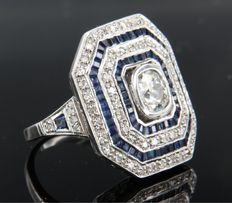 14 kt white gold ring in Art Deco style with sapphires and 0.86 carat old European cut diamonds and 60 octagon cut diamonds, ring size 17.25 (54)