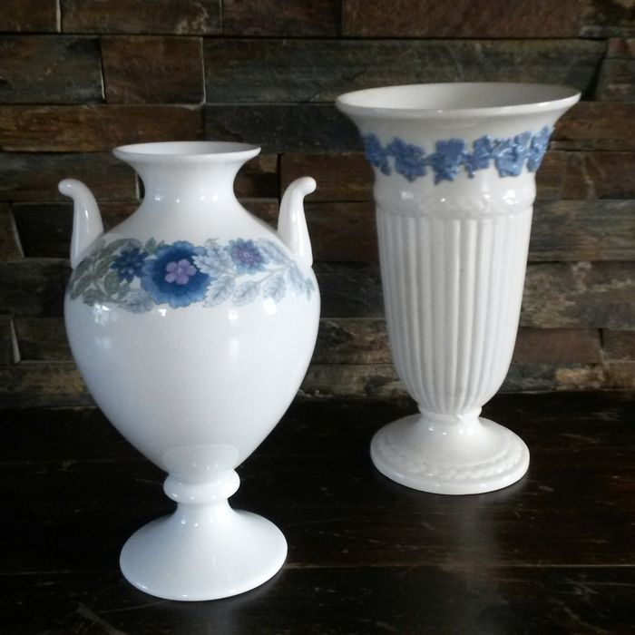 Lot With Two Wedgwood Vases Catawiki