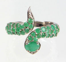 Snake – ring with emeralds