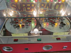 Beautiful original fairground Balco rotor 2-player with prize containers
