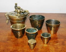 Complete set brass flat weights - Netherlands - early 20th century