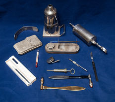 A small collection of fine medical instruments. Some 19th C. items, and the majority first half of the 20th  C.