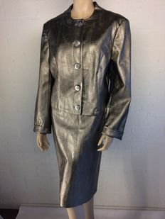 Edgar Vos - skirt suit, brand new.