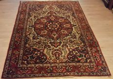 Very Beautiful Persian Bakhtyar - 205cm x137cm No reserve price!  Act Now!