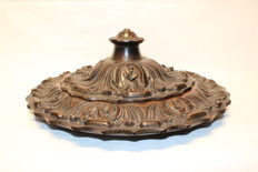 Hand carved wood hospitality plate with lid - France - 1930S