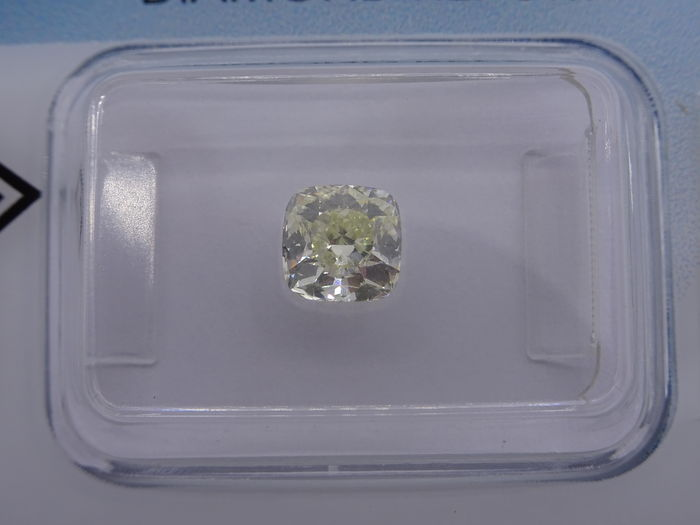 0.91 ct square cushion cut diamond with a natural yellow colour, O–P - VVS2