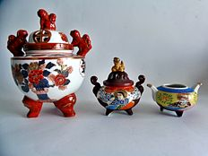 Three porcelain incense burners - Japan - mid 20th century