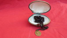 Superb Shell Box, Rosary holder XIX Century