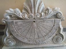 Sundial sculpture in stone dust - Italy - 20th century