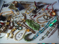 Jewelry collection 160 pieces pearl, jade, malachite, Murano Vintage Swarowski SILBER amethyst Pink quartz 4,6 kg