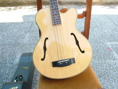 Semi acoustic 4-string bass with case - Samick