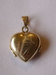 14kt. Gold pendant Weight: 3.06 g. Size  - 26.23mm./17.47mm.
