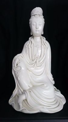 A large blanc-de-Chine figure of Guanyin - China - Late 20th century