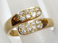 18 kt / 750 gold ring with 16 brilliant cut diamonds 0.40 ct G-VVS, ring size 55-57 / 17.5-18.1 mm, open ring band