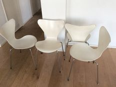 Arne Jacobsen for Fritz Hansen - 4 dining room chairs, Butterfly chair