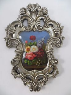 Spherical hand-painted flowers in beautiful silver Baroque list (83 cm)