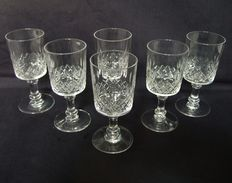 Baccarat 6 white wine or port in richly cut crystal - France - circa 1916-1936