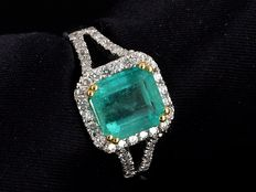 Sublime emerald and diamond ring, 2.72 ct - size 55
