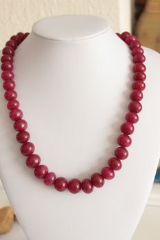 Necklace made of rubies on an adjustable silk cord - 629 ct