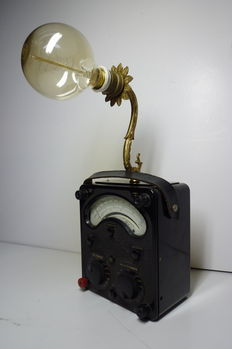 K.V.N Steampunk - Universal Avometer Model 8 mark III - Table lamp - Vintage.