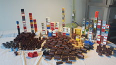 Assorted - more than 340 Lego parts including treasure chests + mailboxes