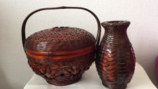 Vase and casket made of bamboo, hand-braided – China – mid 20th century