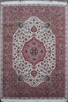 Persian Tabriz in wool and silk