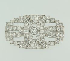 Platinum brooch, set with Bolshevik cut diamonds, approx. 8.00 carat in total.