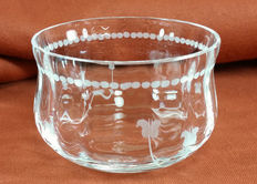 Delicate cups in tempered screen printed glass - MC Molar Cristallo d'Arte glassworks