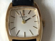 OMEGA LADIES 9ct.   GOLD WRISTWATCH, Unsure of age