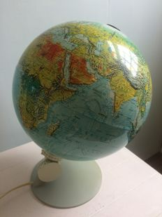Scan-Globe A/S with lighting and location determination