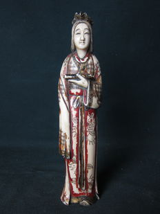 Ivory polychrome Okimono - Japan - around 1900