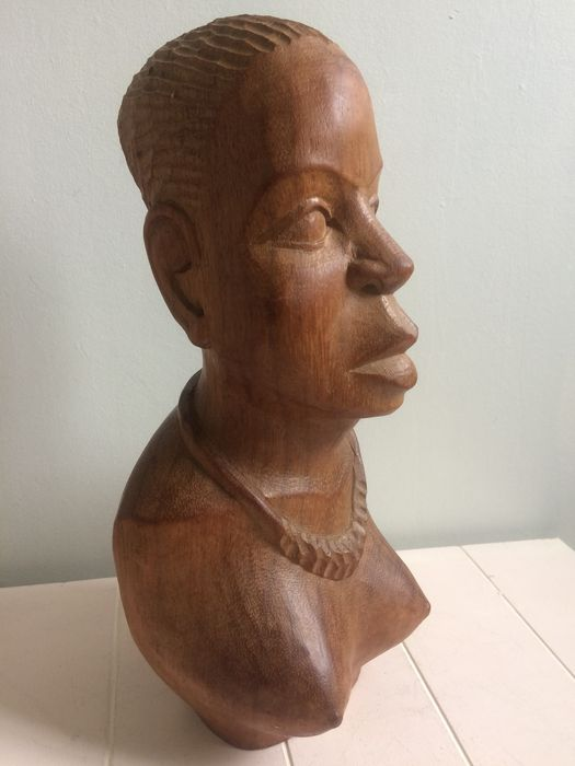 Bust of African woman