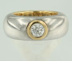 18 kt bi-colour gold ring set with 0.56 ct brilliant cut diamond, ring size 17.25 (54)