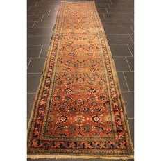 Rare antique Persian carpet Heris circa 1930 plant-based colours, made in Iran 360 x 85cm runner gallery Tappeto Tapis Tapijt