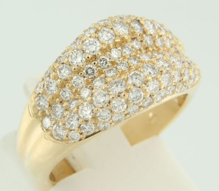 Gubelin - 18 kt yellow gold ring set with 86 brilliant cut diamonds, approximately 2.00 carat in total, ring size 16.5 (52)
