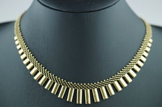 14 karat gold choker/sun necklace, length 43 cm