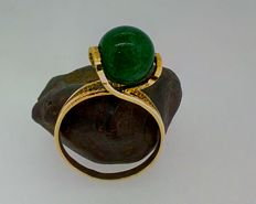 18 kt gold ring - Crystal in faux jade style – Diameter: 17 mm - Weight: 3.22 g.