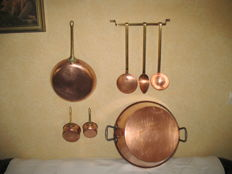 Lot of 8 items in copper / brass (frying pan, utensils of kitchen, jam pan, small pans)