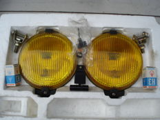 A nice and new SET BOSCH FOG LIGHTS Type PILOT 160 from the 1970s and 1980s.