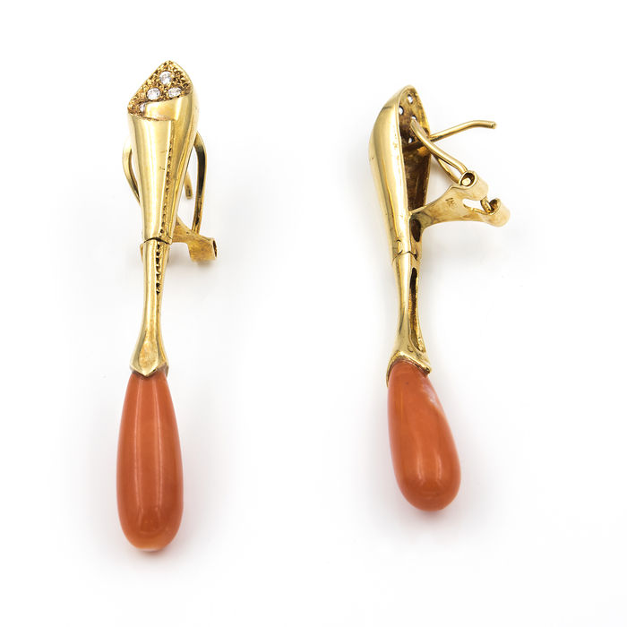 18 kt (750/1000) yellow gold - earrings - earrings - coral.