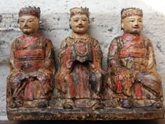 Polychrome wooden sculpture depicting Three Wise Men – China – 19th century